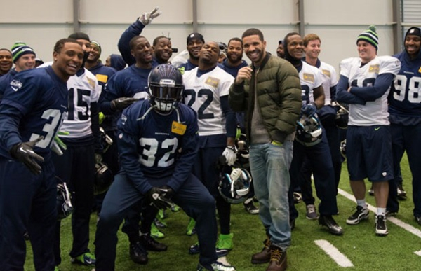 [Photos] Drake Invades A Seattle Seahawks' Practice