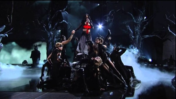 Video: Katy Perry Brings Out  Juicy J at the 2014 Grammy's #Getmybuzzup