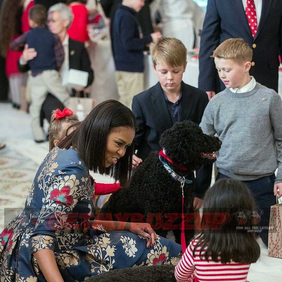 """Michelle Obama – """"As we celebrate my family's last holiday season in the White House"""" [Photos]"""