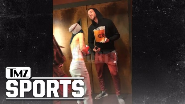CHANDLER PARSONS & BELLA THORNE… MOVIE DATE AFTER MEXICO KISS | TMZ Sports