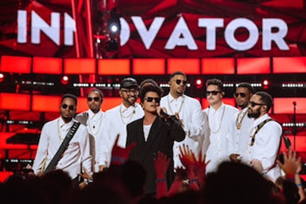TBS, TNT & truTV's 2017 iHeartRadio Music Awards simulcast grows 39% to 4.1 million viewers and delivers 165 billion social media impressions [News]