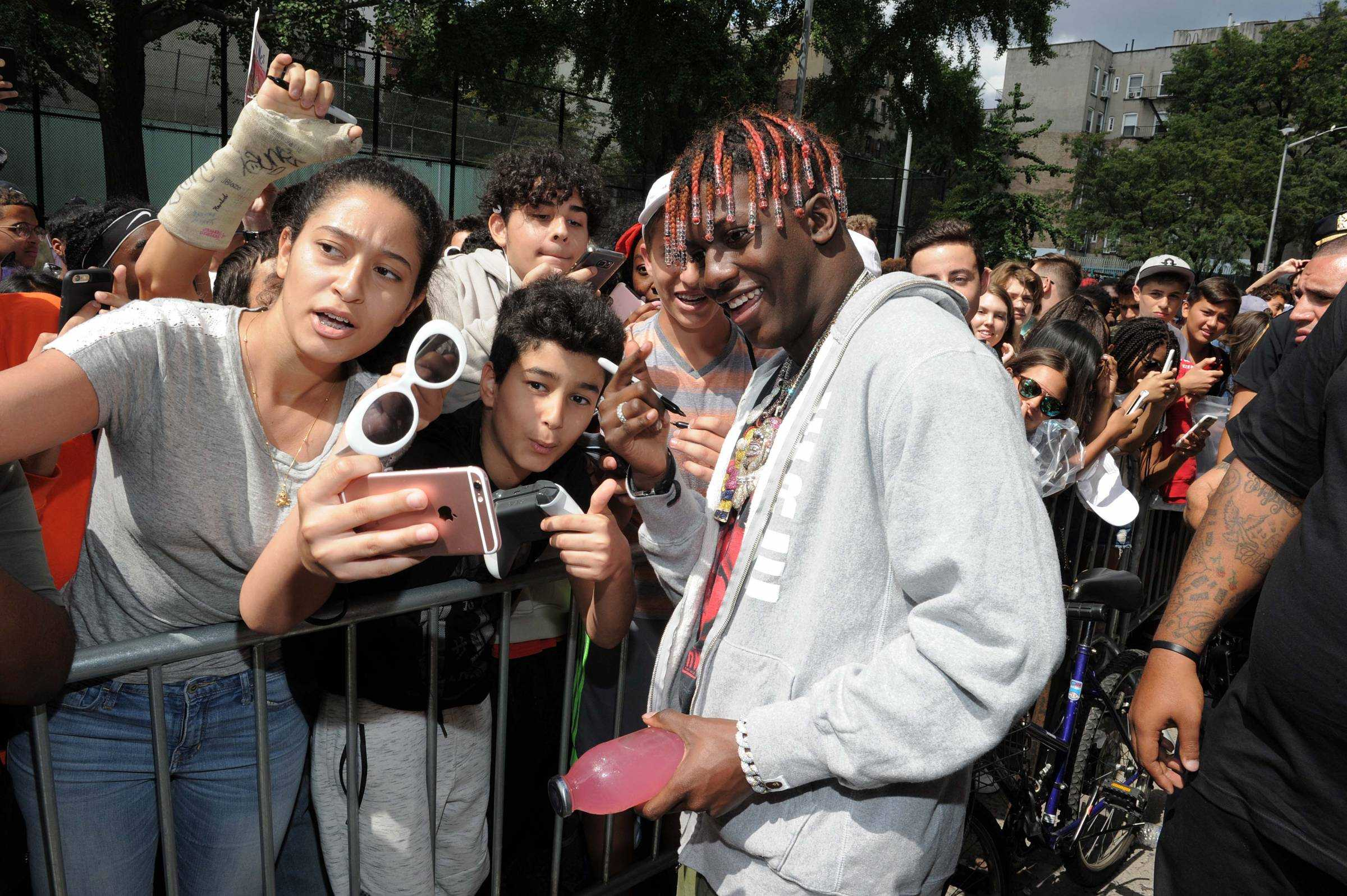 Lil' Yachty Surprises Fans at 'Yachty's Pizzeria' in NYC! [Photos]
