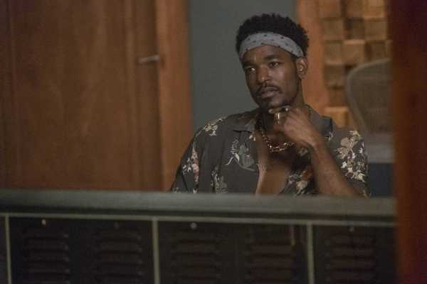 """STAR: Guest star Luke James in the """"Insecure"""" episode of STAR airing Wednesday, Oct. 4 (9:00-10:00 PM ET/PT) on FOX. ©2017 Fox Broadcasting Co. CR: Wilford Harewood/FOX"""