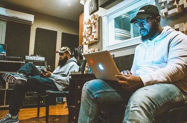 Stalley announces appointment of Smitti Boi as head of A&R for label, Blue Collar Gang [Music News]