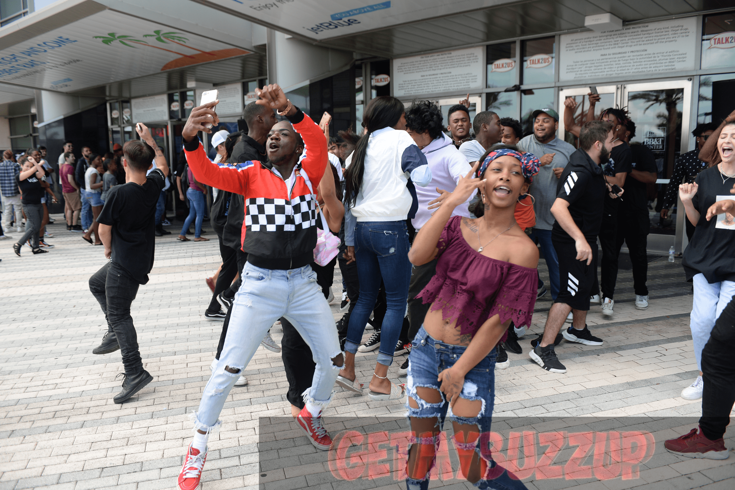 XXXTENTACION'S LIFE, INFLUENCE, & IMPACT CELEBRATED AT PUBLIC VIEWING AND FAN MEMORIAL [PHOTOS]