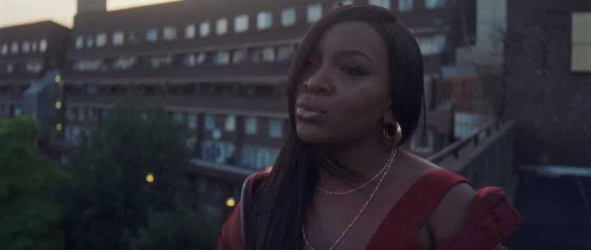 "Ray Blk Releases New Single ""Run Run"" on New Label [Video]"