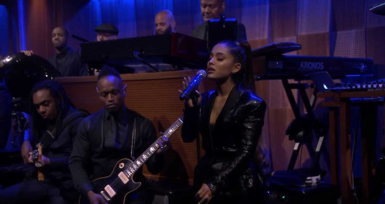 Ariana Grande and The Roots Do A Aretha Franklin Tribute [Live Performance]