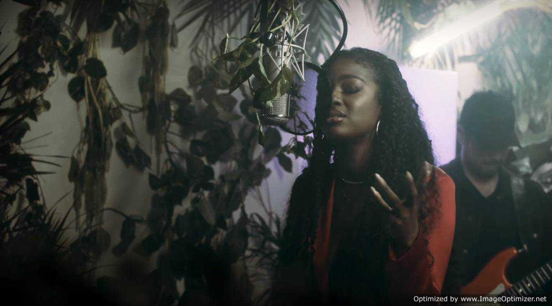 "Justine Skye Performs ""Build"" Live [Live Performance]"