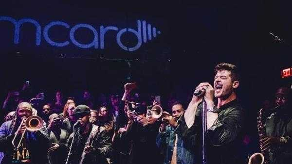 "Robin Thicke, Soul Rebels release ""Magic"" live performance at JammJam [Live Performance]"