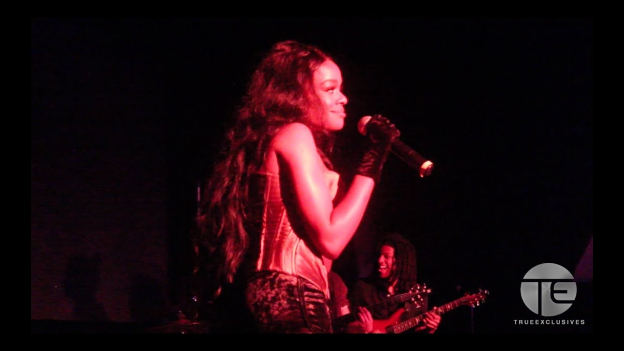 Azealia Banks Performing Live in NYC at The Highline Ballroom 2017
