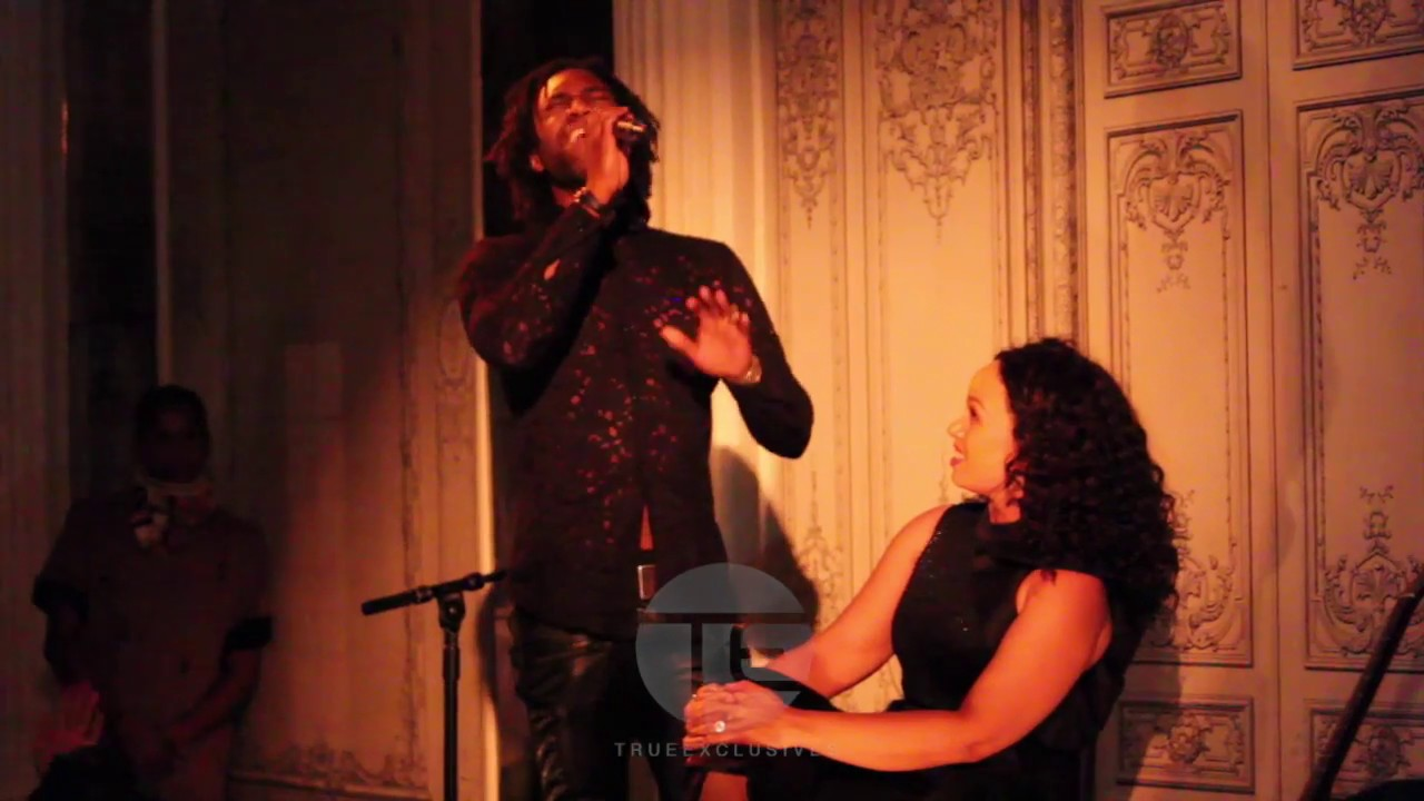 """Elle Varner Performing """"Refill"""" Live with Aaron Marcellus at Duane Park [Video]"""