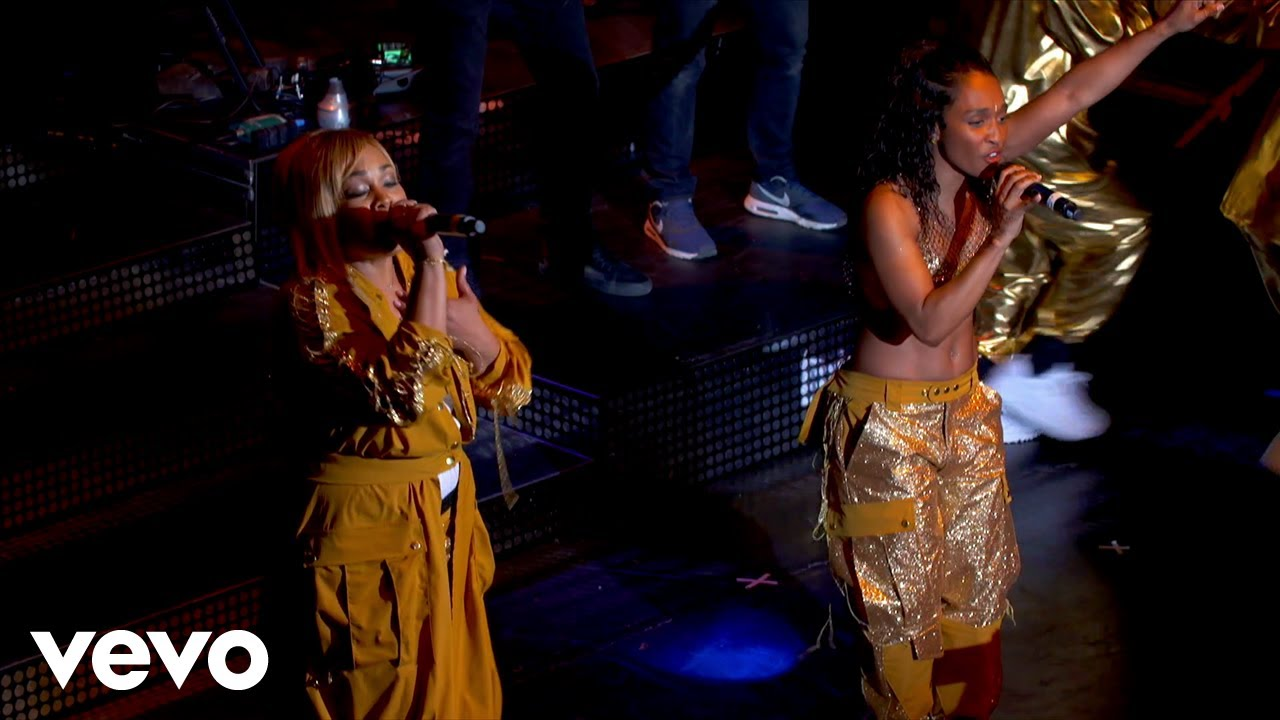 """TLC Performing """"It's Sunny"""" Live in London"""