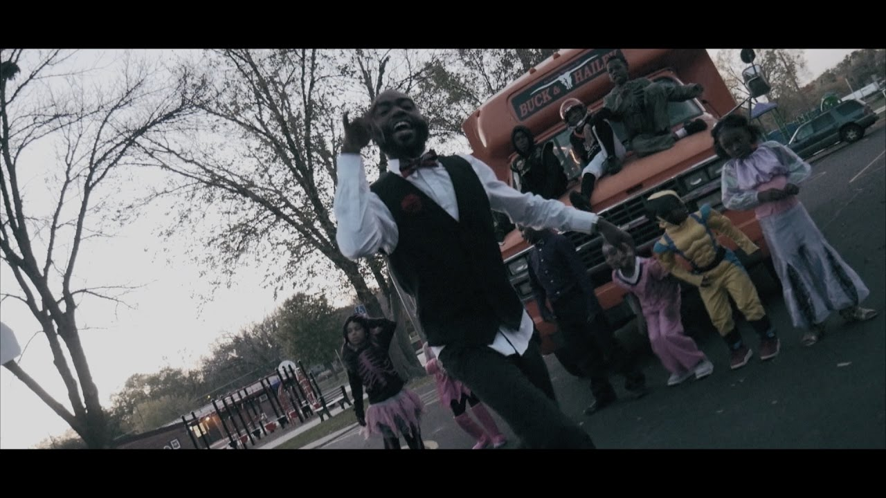 """Young Ezzy – """"In A Minute"""" [Video]"""