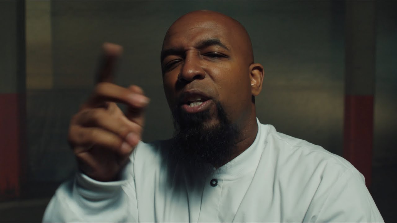 Tech N9ne – Dr. Sebagh (ft. Landxn Fyre) [MUSIC VIDEO]