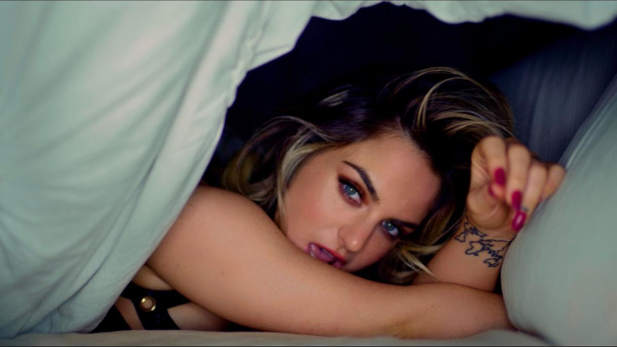 "JoJo Drops Steamy Video For ""Comeback"" feat. Tory Lanez & 30 Roc"