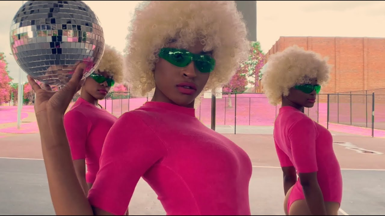 Doja Cat – Say So ft. Nicki Minaj (Dance Visual)