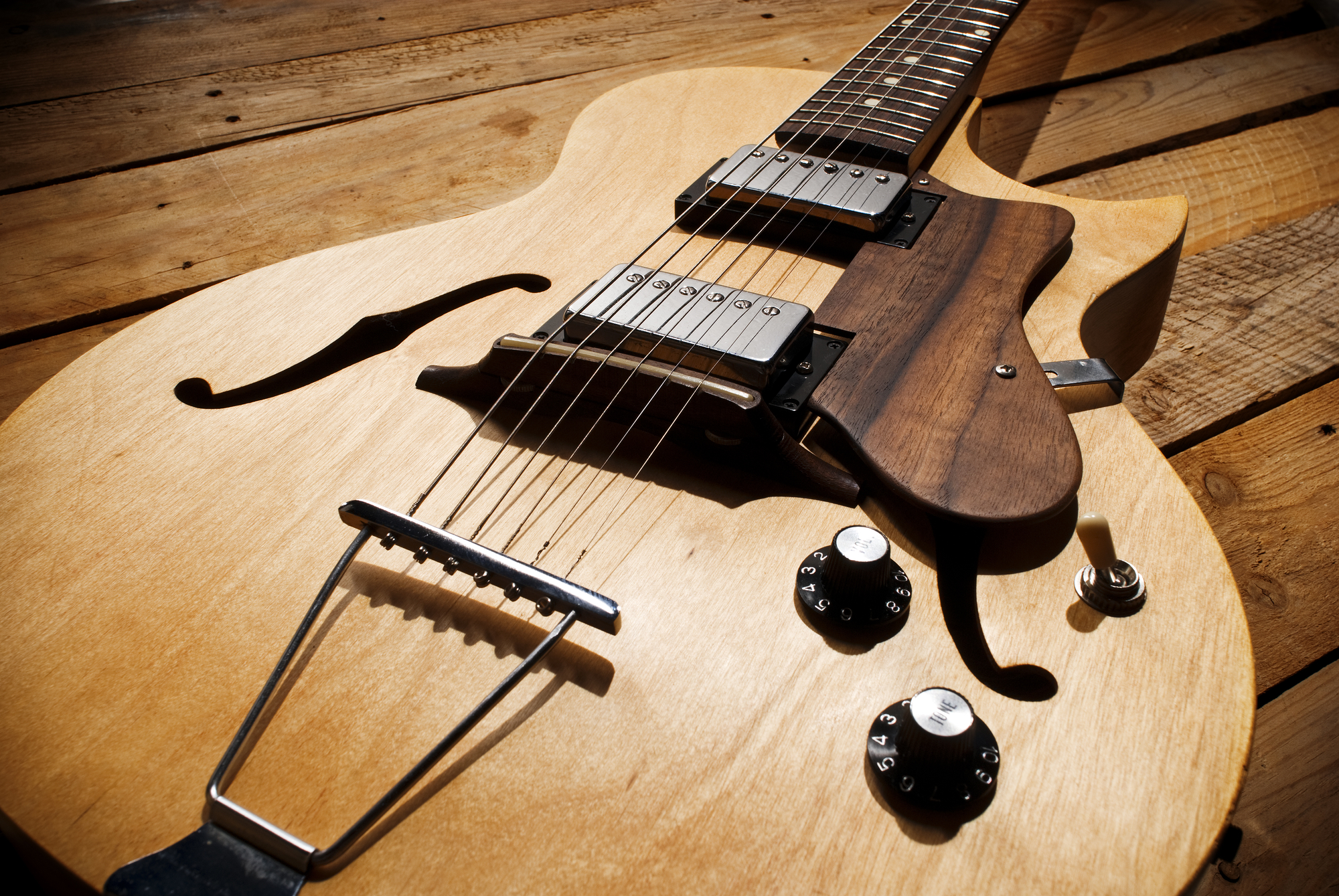 Best Guitar Amplifiers for Playing Jazz