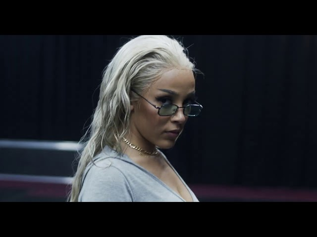 Doja Cat – Say So/ Like That (VMA's Behind The Scenes)