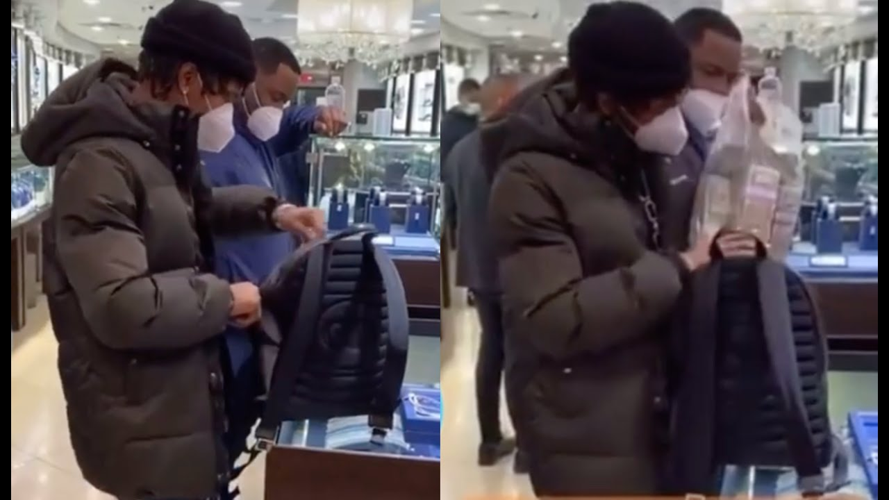 Lil Baby Pulls Out A Honey Bun Of Money While Shopping For Jewelry