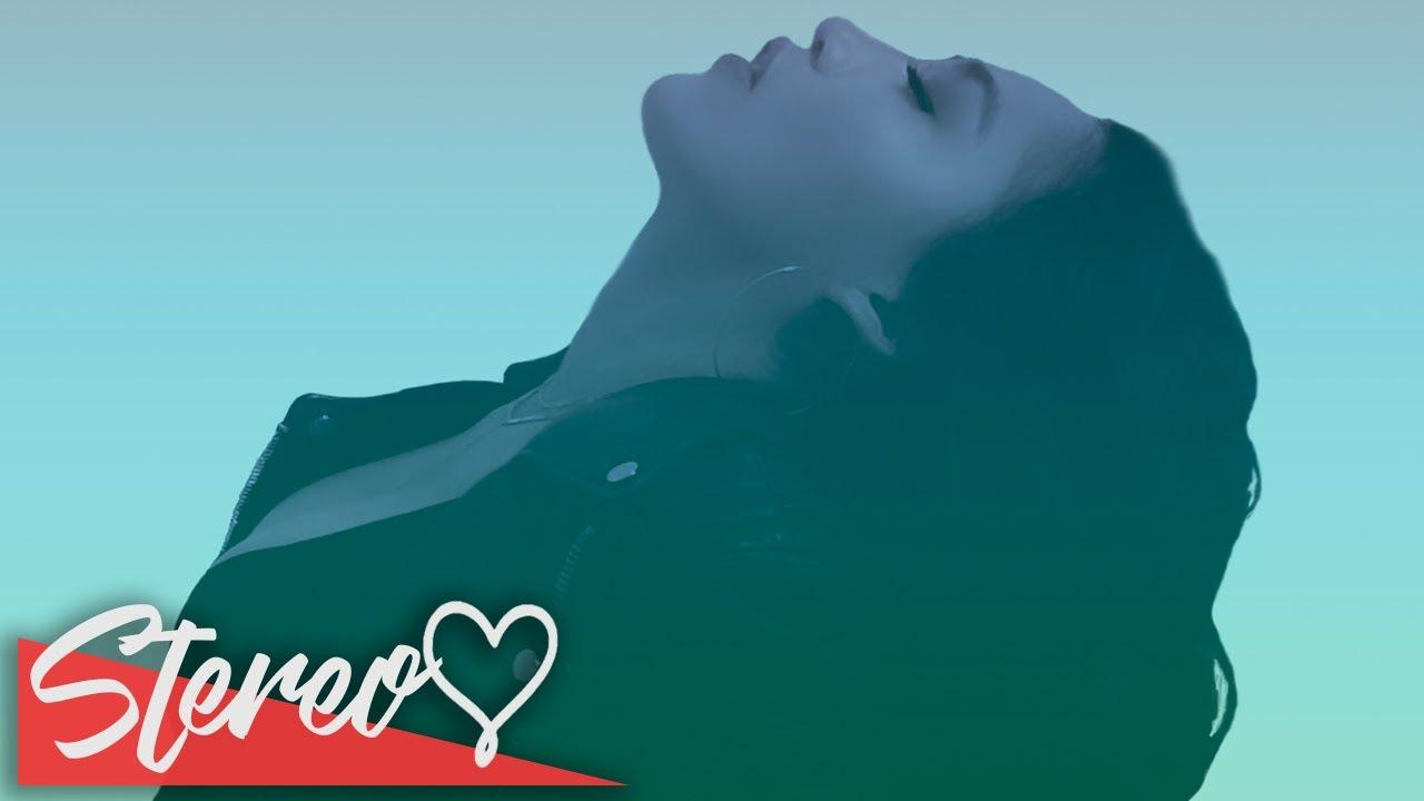 Vita Lioni – Sweetest Captor (Lyrics)