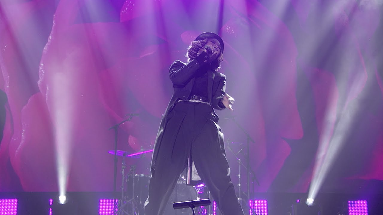 Brandy – Say Something / What About Us | Dick Clark's New Years Rockin Eve