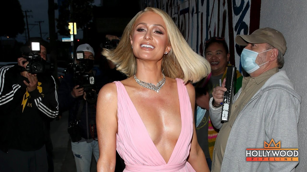 """Paris Hilton tickled pink leaving Oscars party with fiancé Carter Reum at """"Craig's"""" in L.A."""