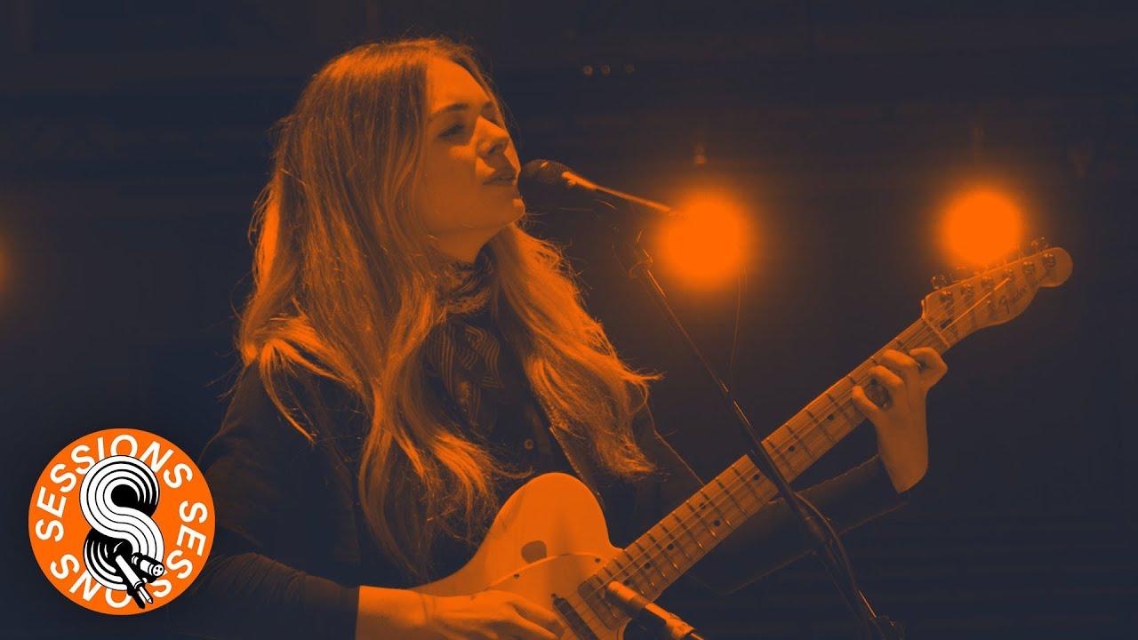 Chloe Foy | Sessions